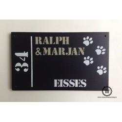 Naambord zwart hondenpootjes