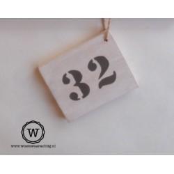 Houten huisnummer white wash