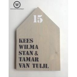 XL huis met namen en huisnummer