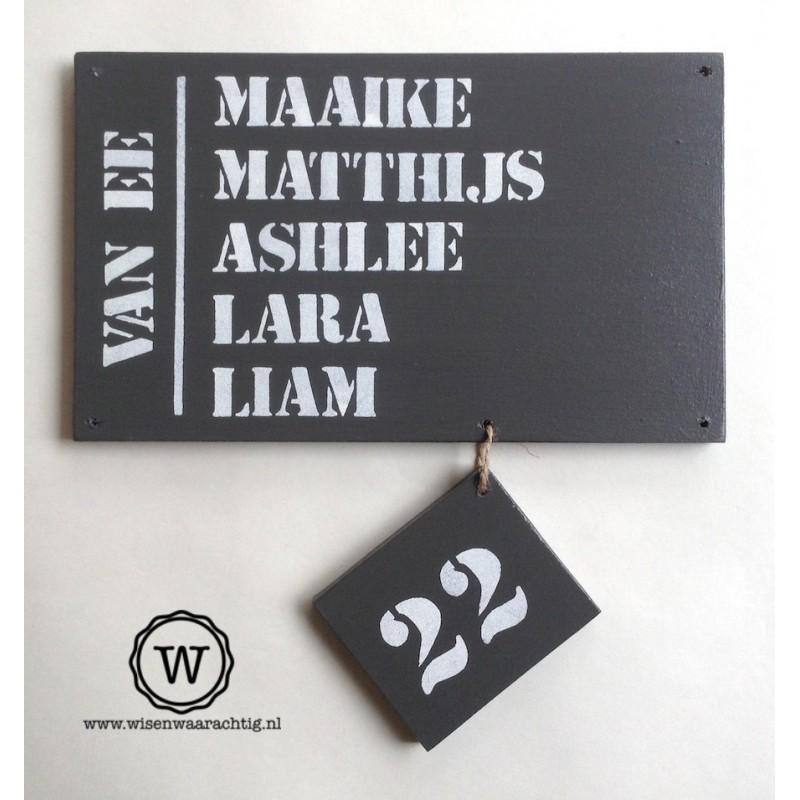 Naambord voordeur met huisnummerlabel