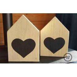 Steigerhouten huisje met hart