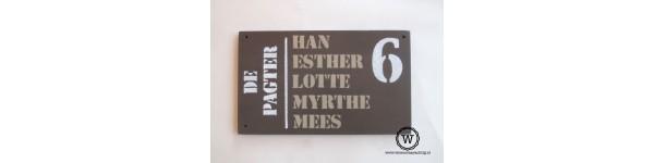 naambord voor bij de voordeur donker taupe geschikt voor buiten